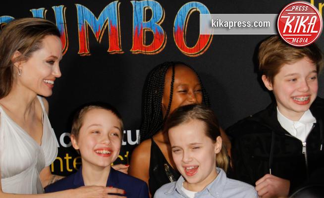 Vivienne Jolie Pitt, Shiloh Jolie Pitt, Knox Leon Jolie Pitt, Zahara Jolie Pitt, Angelina Jolie - 11-03-2019 - Angelina Jolie brilla come una stella alla prima di Dumbo