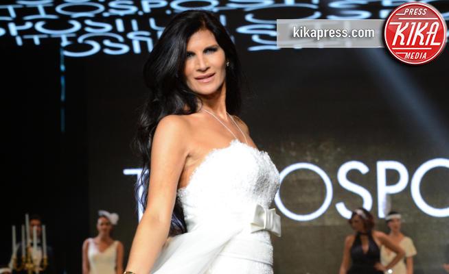 Pamela Prati - Napoli - 28-10-2016 - Nozze Pamela Prati, fu una truffa? Ecco chi accusa la showgirl