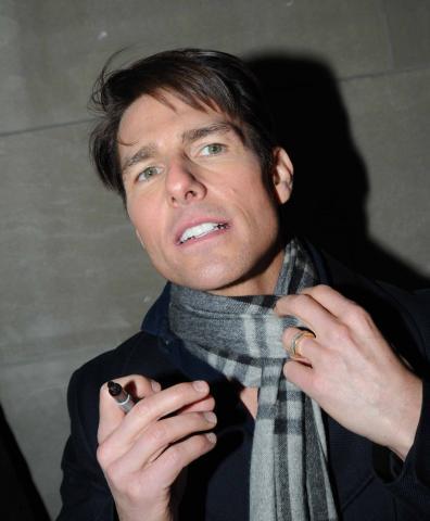 Tom Cruise - Toronto - 08-12-2008 - Tom Cruise nel panico per aver perso il Blackberry