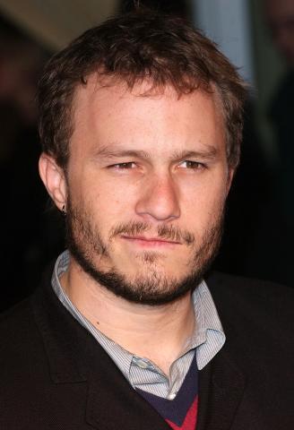 Heath Ledger - Londra - 19-02-2006 - Condannato un uomo che si spacciava per il padre di Heath Ledger