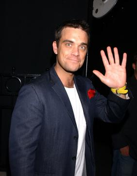 Robbie Williams - Robbie Williams in clinica, troppi farmaci