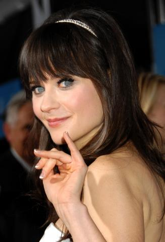 Zooey Deschanel - Westwood - 17-12-2008 - Zooey Deschanel dice Yes alla proposta di matrimonio