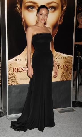 "Angelina Jolie - Westwood - 08-12-2008 - Angelina Jolie: ""Mai un accordo prematrimoniale con Brad Pitt"""