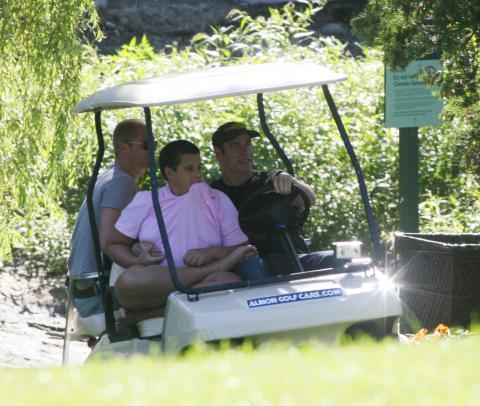 Jett Travolta, John Travolta - Los Angeles - 05-01-2009 - John Travolta ricorda il dramma della morte di suo figlio
