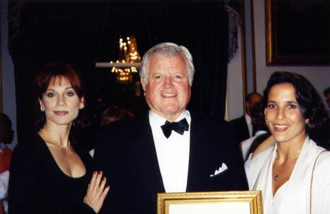 Ted Kennedy, Marilu Henner - New York - 05-01-1987 - USA: morto a 77 anni il senatore Ted Kennedy