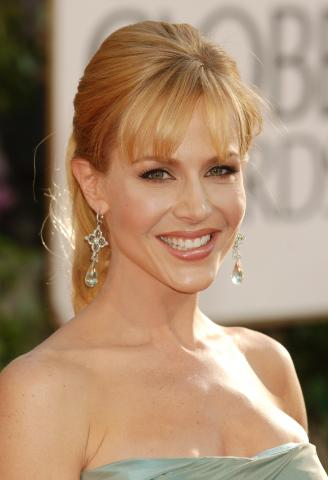 Julie Benz - Beverly Hills - 11-01-2009 - Ai Golden Globe trionfa la frangia