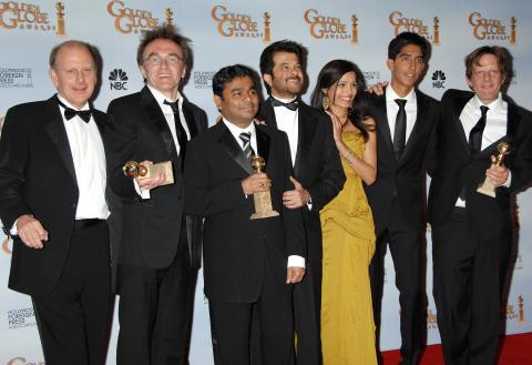 Freida Pinto, Dev Patel, Danny Boyle - Beverly Hills - 11-01-2009 - Il Daily Telegraph accusa: sfruttati i bambini di The Millionaire