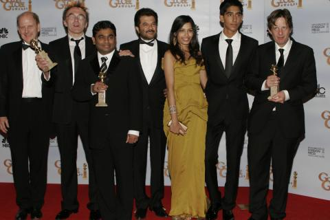 Cast of Slumdog Millionaire - Beverly Hills - 11-01-2009 - The Millionaire, Penelope Cruz e Heath Ledger i piu' vicini all'Oscar