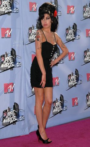 Amy Winehouse - Universal City - 13-01-2009 - Amy Winehouse si dà al circo per non pensare al divorzio