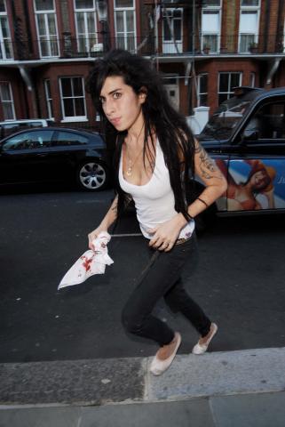 Amy Winehouse - Londra - 13-01-2009 - Amy Winehouse si dà al circo per non pensare al divorzio