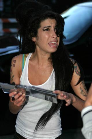 Amy Winehouse - New York - 13-01-2009 - Amy Winehouse si dà al circo per non pensare al divorzio