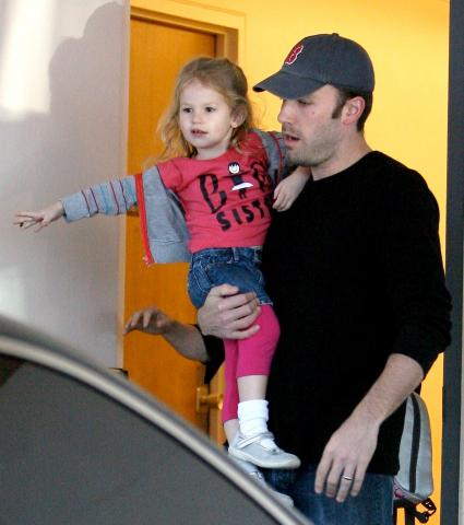 Violet, Ben Affleck - Hollywood - 13-01-2009 - Jennifer Garner e Ben Affleck genitori per la seconda volta rivelano il nome della bambina
