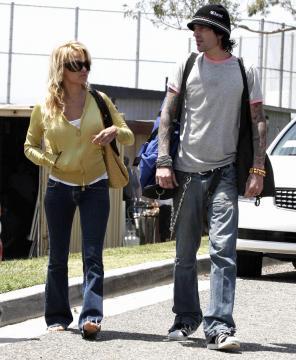 Tommy Lee, Pamela Anderson - Malibu - 08-05-2005 - Non c'è due senza tre... star dal SI' facile