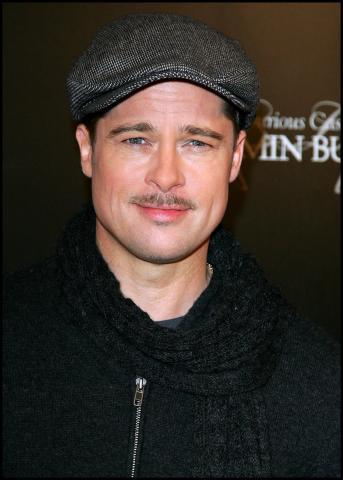 Brad Pitt - Parigi - 22-01-2009 - Il Curioso Caso di Benjamin Button e' ispirato a un libro italiano