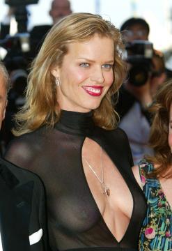 Eva Herzigova - Cannes - Eva Herzigova posa di nuovo in topless