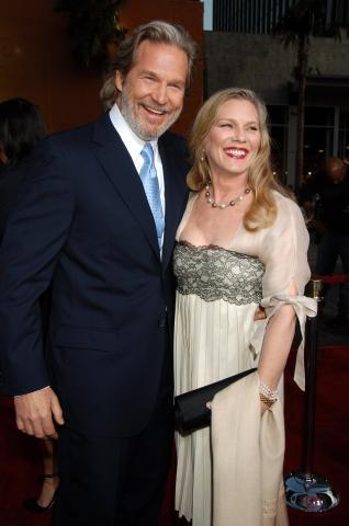 moglie, Jeff Bridges - Hollywood - 30-04-2008 - Jeff Bridges 27 anni piu' giovane per Tron 2.0