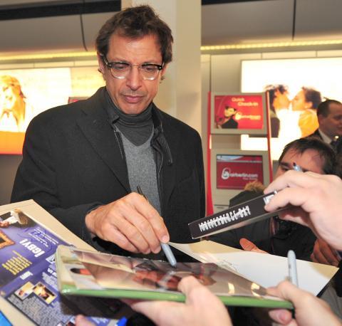 Jeff Goldblum - Berlino - 07-02-2009 - Dopo Fawcett e Jackson, morto anche Jeff Goldblum: è uno scherzo