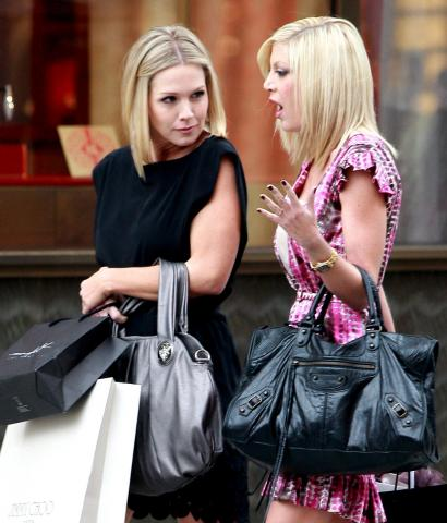Jennie Garth, Tori Spelling - Beverly Hills - Beverly Hills 90210: Donna e Kelly, qualcosa è cambiato!