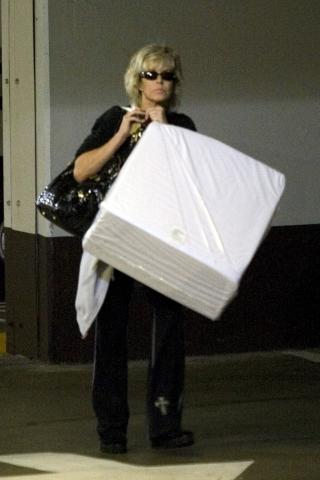 Farrah Fawcett - Santa Monica - 19-11-2007 - Farrah Fawcett dimessa dall'ospedale