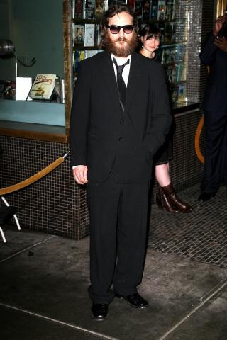 Joaquin Phoenix - Hollywood - 12-02-2009 - Joaquin Phoenix torna al David Letterman Show