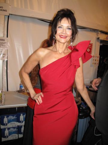 Lynda Carter - New York - 13-02-2009 - La diva molestata: