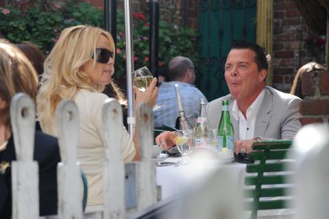 Pamela Anderson - Los Angeles - 25-02-2009 - Svolta veg nel mondo delle celebrità