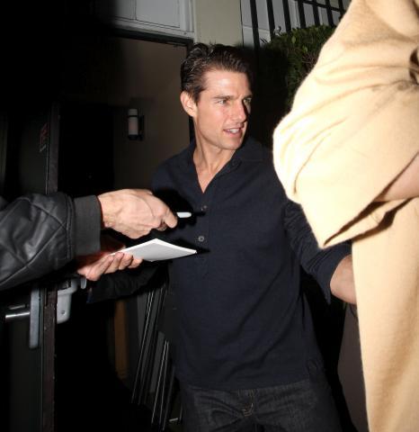 Katie Holmes, Tom Cruise - Beverly Hills - 01-03-2009 - Tom Cruise denuncia una griffe per uso improprio della sua immagine
