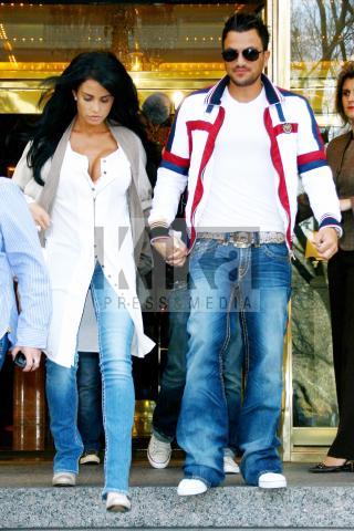 Peter Andre, Katie Price - New York - 02-04-2009 - Non c'è due senza tre... star dal SI' facile