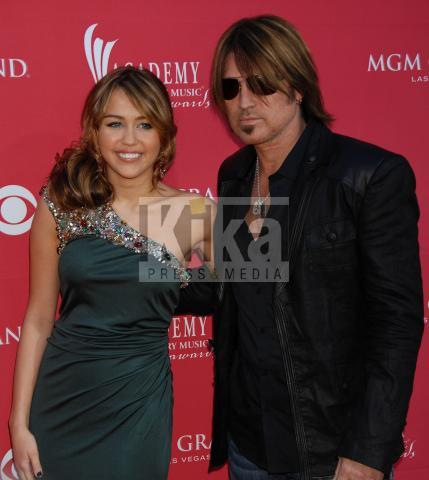 Billy Ray Cyrus, Miley Cyrus - Las Vegas - 05-04-2009 - Billy Ray Cyrus ha paura per la figlia Miley