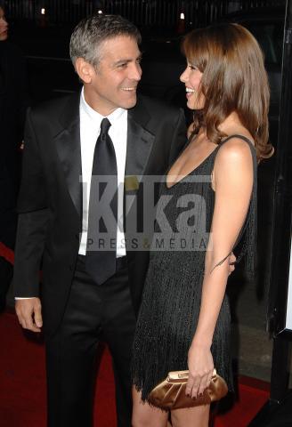Sarah Larson, George Clooney - Hollywood - 01-04-2008 - George Clooney gay? Chiedetelo a Brad Pitt