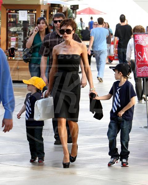 Victoria Beckham - Los Angeles - 20-04-2009 - A ogni star il suo colore: nero per Angelina, rosa per Paris