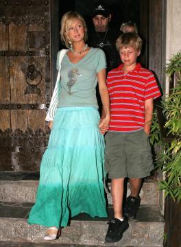 Conrad Hilton, Paris Hilton - Beverly Hills - 15-06-2005 - L'estate addosso? Vestiti come Reese Witherspoon