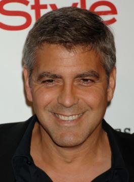 George Clooney - Westwood - 25-06-2005 - George Clooney e Pamela Anderson, insieme di giorno e di notte