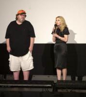 Michael Moore, Madonna - Traverse City - 03-08-2008 - Michael Moore provoca di nuovo e stavolta se la prende con il capitalismo