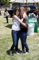 Mandy Dawn Cornett, Selena Gomez - Los Angeles - 07-06-2009 - Dieci star che non sapevate avessero licenziato i genitori