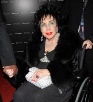 """Elizabeth Taylor - Santa Monica - 26-09-2008 - Liz Taylor non sara' allo Staples Center: """"Non credo che Michael vorrebbe che io condividessi il mio dolore con milioni di estranei"""""""