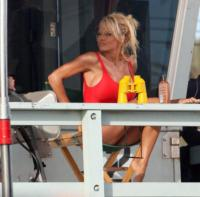 Pamela Anderson - Hollywood - 27-04-2007 - Baywatch diventa una commedia della Paramount Pictures