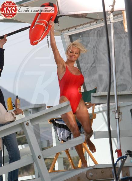 Pamela Anderson - Hollywood - 27-04-2007 - Pamela Anderson, compie 50 anni la bagnina più sexy del mondo