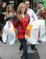 Avril Lavigne - Toronto - 03-06-2009 - Avril Lavigne dal palco alla passerella