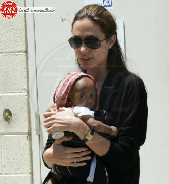Angelina Jolie, Brad Pitt - Los Angeles - 20-07-2005 - Angelina Jolie e Brad Pitt faranno nascere i gemelli nel sud della Francia