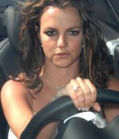 Britney Spears - Calabasas - 02-08-2009 - Essere bionda o essere mora? Questo è il dilemma!