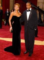 Jay Z, Beyonce Knowles - Hollywood - 27-02-2005 - La guardia del corpo di Jay Z e Beyonce si scaglia contro i fotografi a Dubrovnik: l'indagine e' aperta