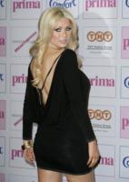 """Nicola McLean - 10-09-2009 - La modella Nicola McLean, ex soldato dell'esercito, ha dichiarato: """"Ho problemi di alimentazione"""""""