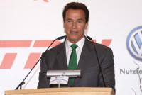 Arnold Schwarzenegger - Hannover - 03-03-2009 - Maria Shriver si scusa e dona il cellulare in beneficenza