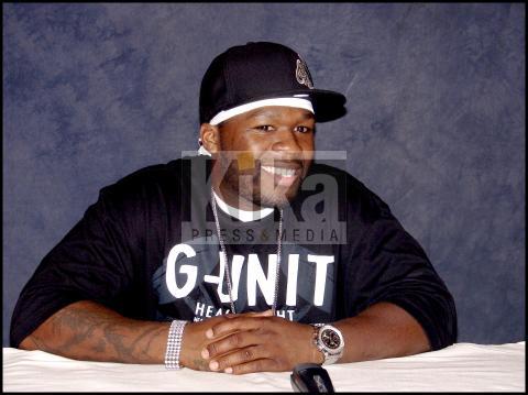 50 Cent - Los Angeles - 50 Cent ha tolto i tatuaggi sulle braccia per fare l'attore