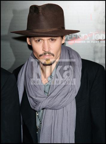 Johnny Depp - Parigi - 16-01-2008 - Johnny Depp e' l'uomo piu' sexy del mondo, di nuovo