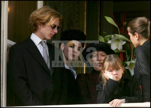 Charlotte, Alexandra di Hannover, Andrea, Pierre Casiraghi - Alexandra di Monaco: sboccia l'amore al Parco dei Principi