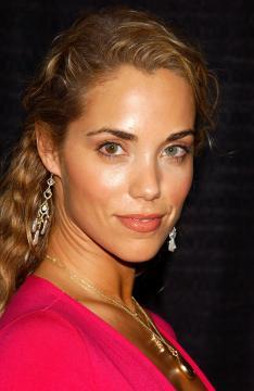 Elizabeth Berkeley - Beverly Hills - 16-09-2005 - Elizabeth Berkeley è incinta