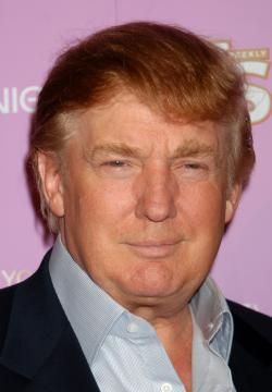 Donald Trump - Hollywood - 18-09-2005 - Donald Trump multato per bandiera Usa troppo alta
