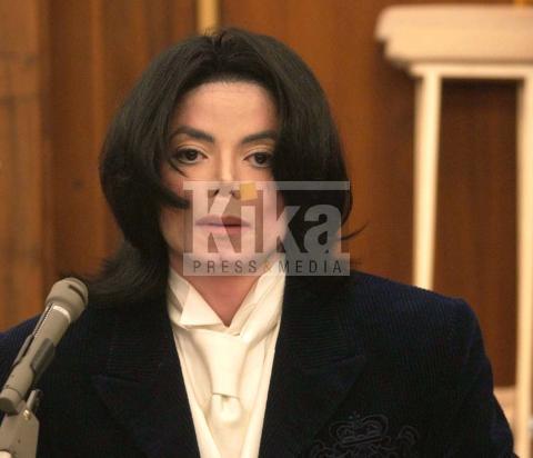 Michael Jackson - Los Angeles - 25-06-2009 - Il guanto di Michael Jackson venduto per 350 mila dollari